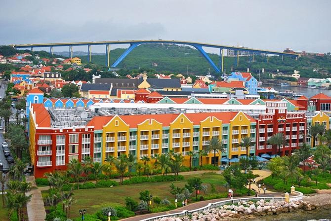 14.-Willemstad-Curacao-Caribbean.jpg