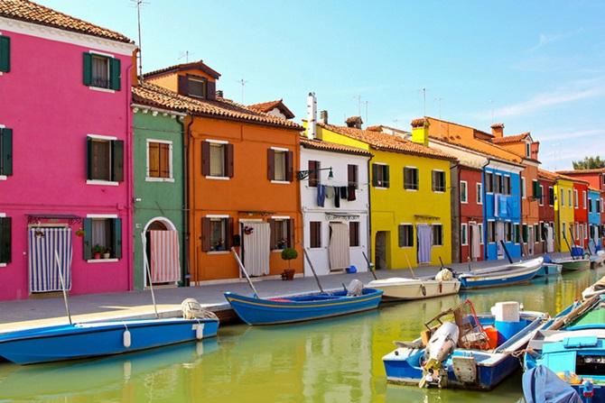 5.-Burano-Island-Italy.jpg