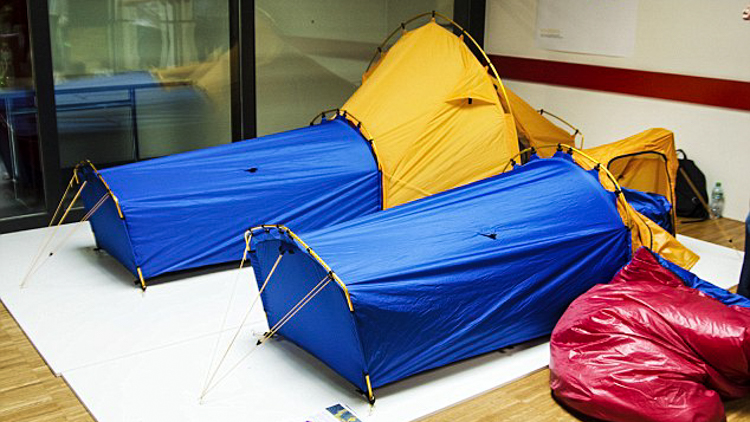 5_sleeping-bag-and-tent-hybrid