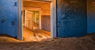 Kolmanskop-Namib-Desert