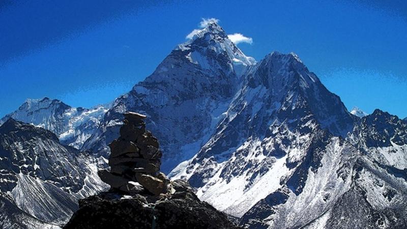 Mount-Manaslu-
