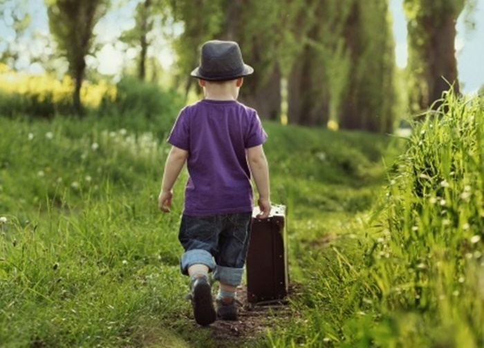 kid-suitcase