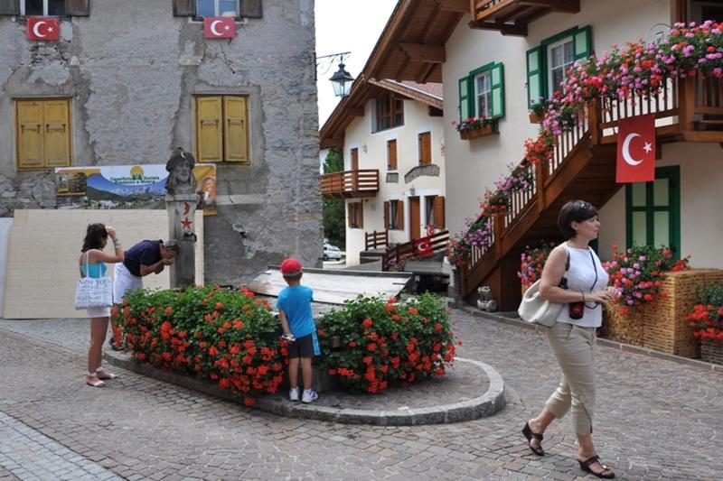Moena, Turcja pozytywnie, Turecka wieś we Włoszech. Kaynak: gezginlerkulubu.org