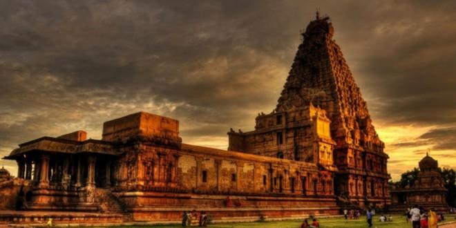 thanjavur_Brihadeeswarar_Temple-750x400