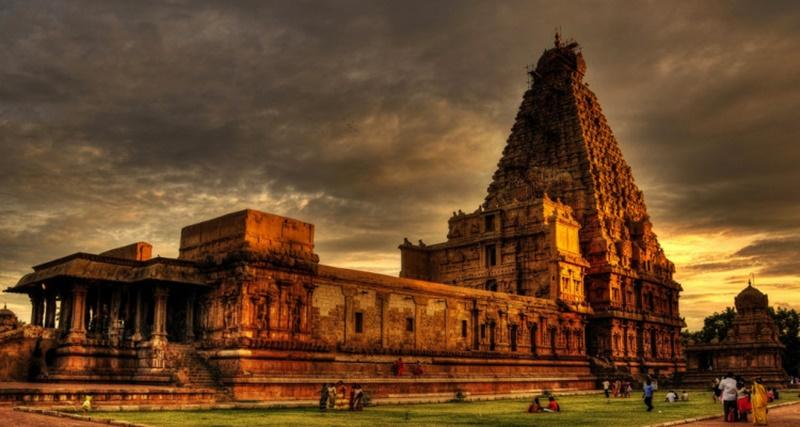 Brihadeeswarar Tapınağı